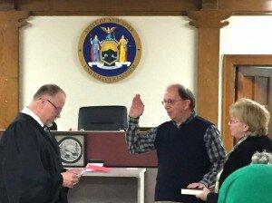 Joe sworn in w judge 2017 3 crop